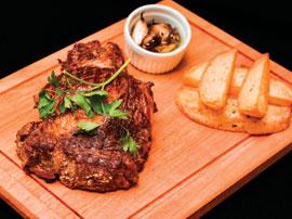 Steak de Ancho Red Angus Suprema com Batatas Rústicas
